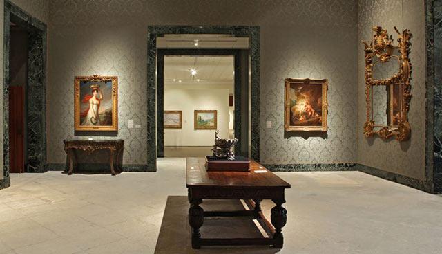 Museum of fine arts St Petersburg Inside