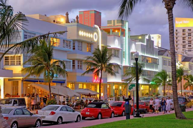 Visit the Art Deco District, Miami